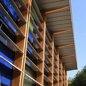 PALAISEAU Detail facade brise soleil Sud est